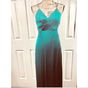 Lilyfull Emerald Green Sleeveless Polyester Dress